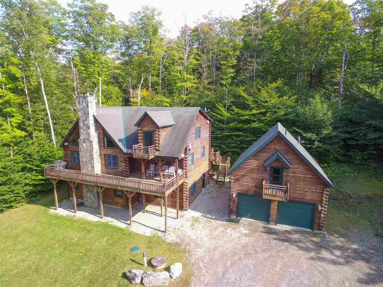Gorgeous adirondack log home in extremely...