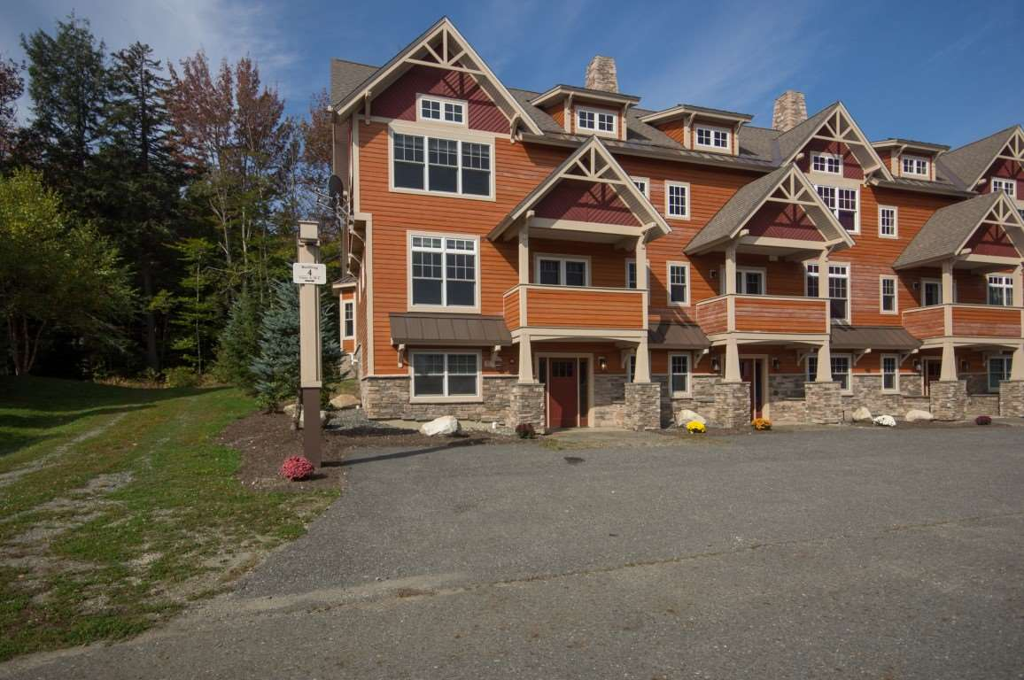 Luxurious TrailsEdge townhome on Mount Snow with...