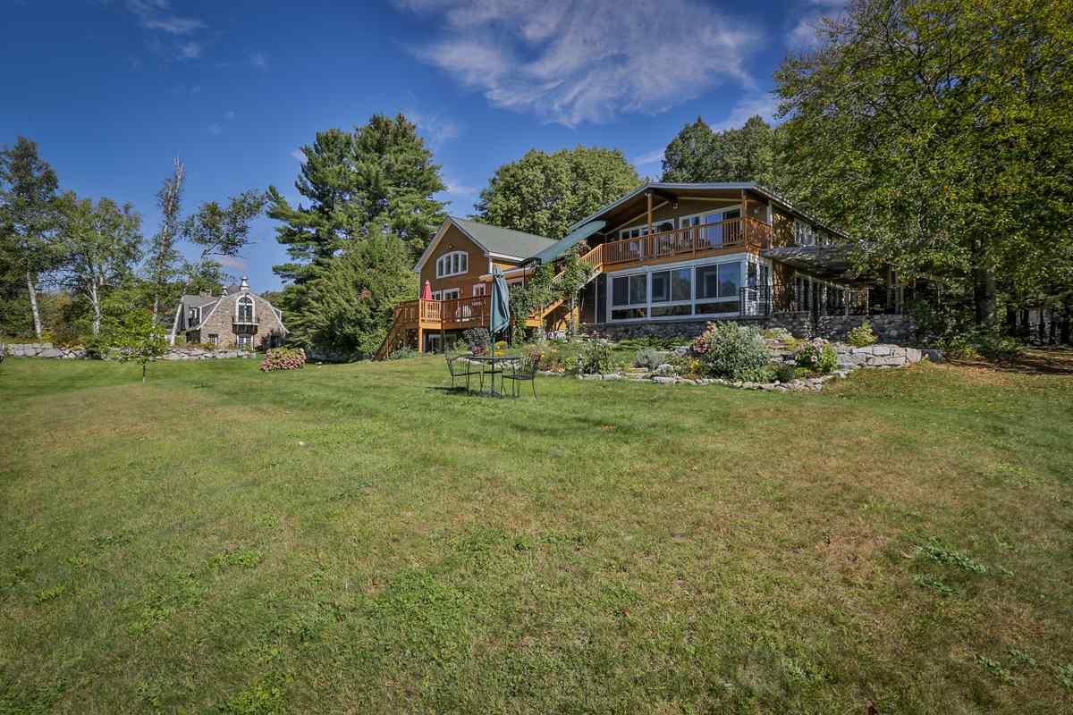 NEWBURY NH Home for sale $$700,000 | $171 per sq.ft.