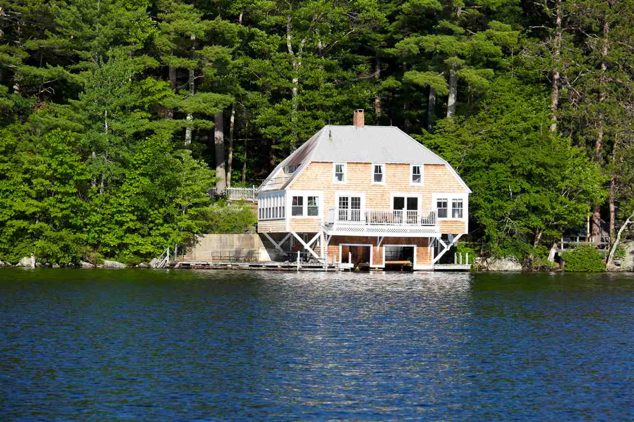 NEWBURY NH Lake House for sale $$1,050,000 | $551 per sq.ft.