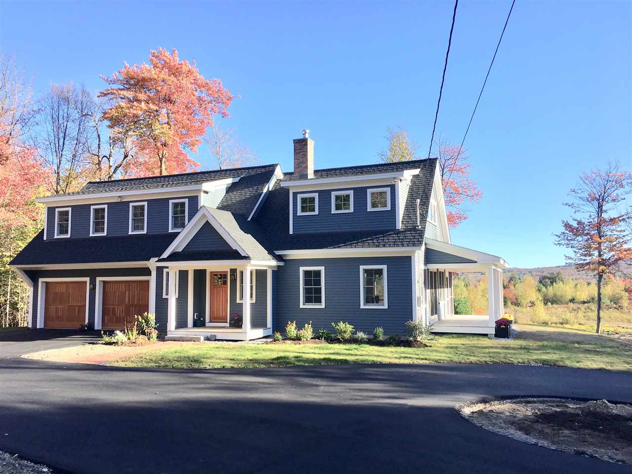 NEW LONDON NH Home for sale $$725,000 | $385 per sq.ft.