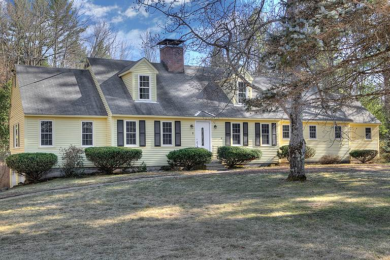 BEDFORD NHSingle Family for rent $Single Family For Lease: $3,300 with Lease Term