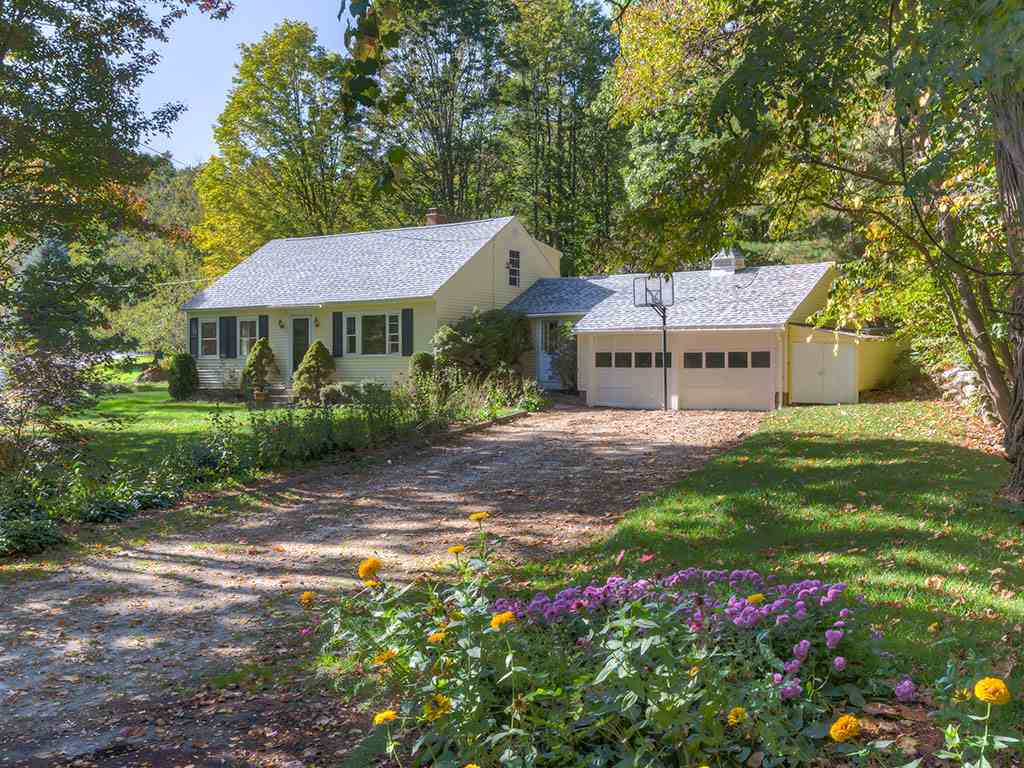 Lyndeborough NHHome for sale $List Price is $244,900