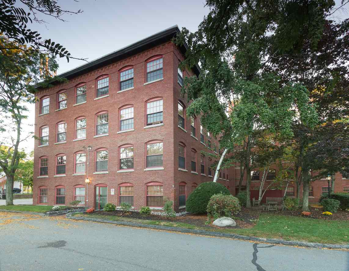 Manchester NH Condo for sale $List Price is $129,000