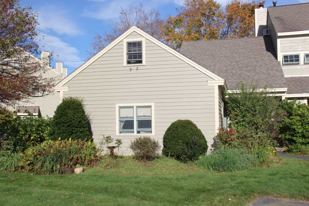 Henniker NH Condo for sale $List Price is $142,000
