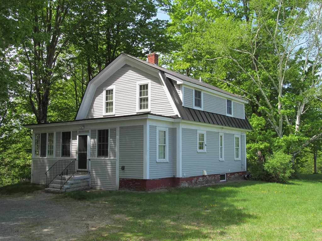 25 Plains Road, Claremont, NH 03743