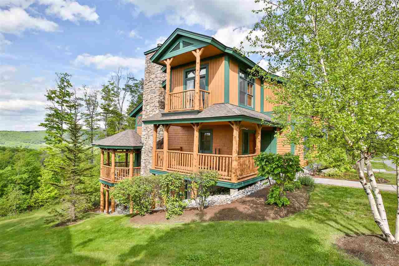 Great new price for an extraordinary Treetop!...