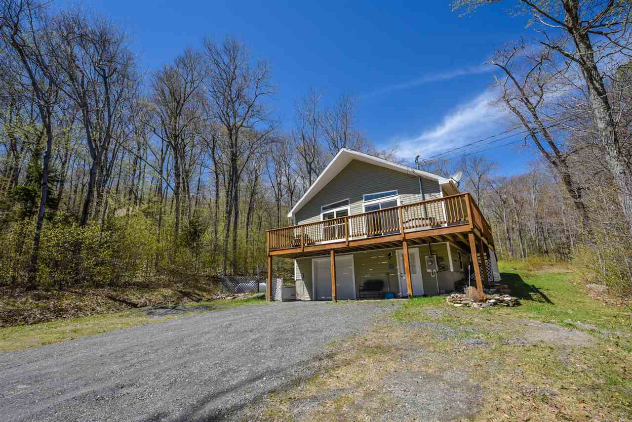Absolutely meticulous 2008 home in the desirable...