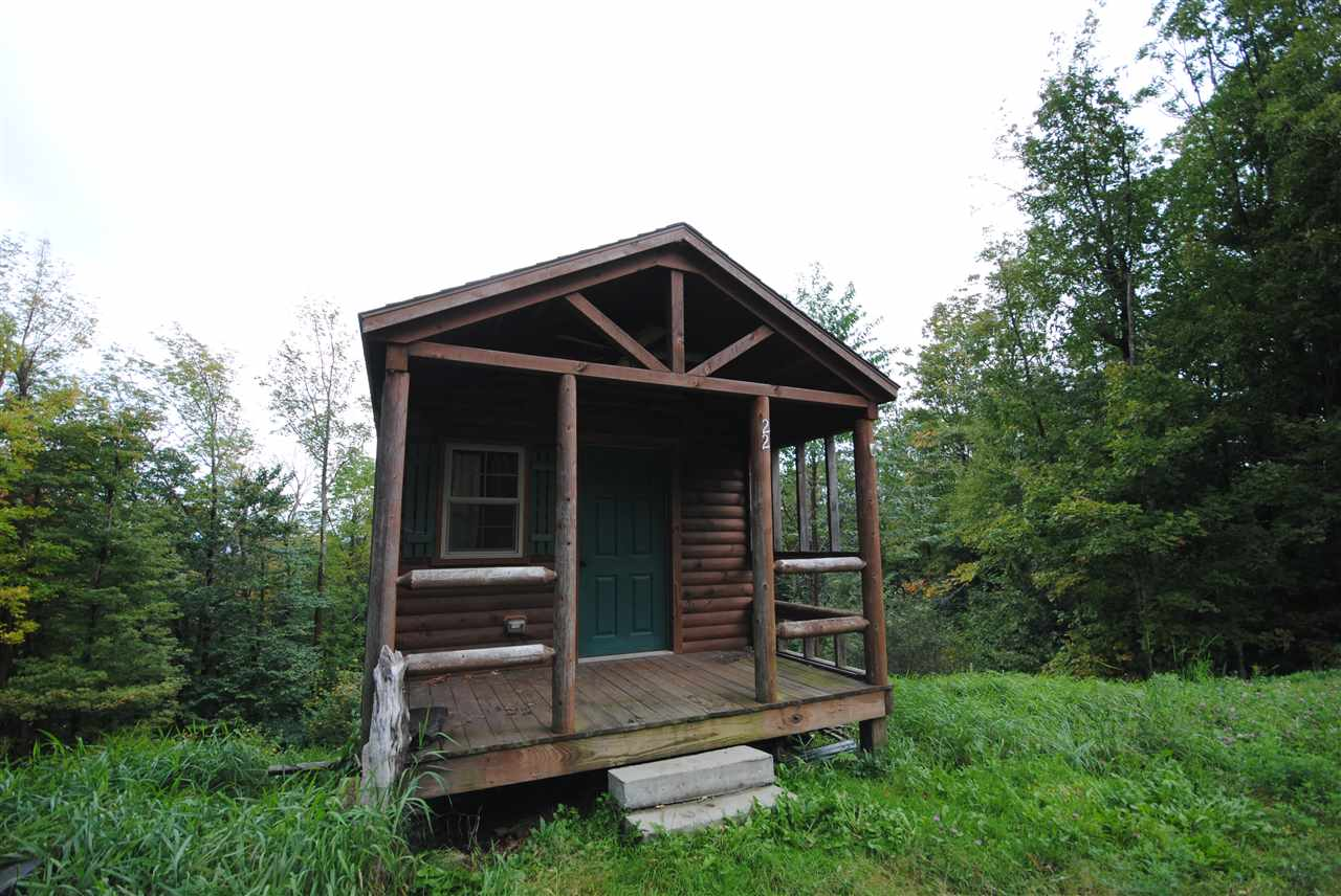 Charming one bedroom log cabin on 1.1 acre with...