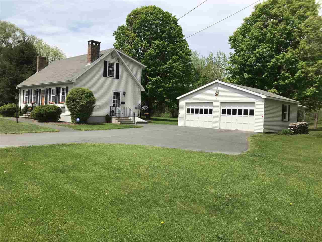 Very well cared for 3 bedroom, 2 bath cape and...