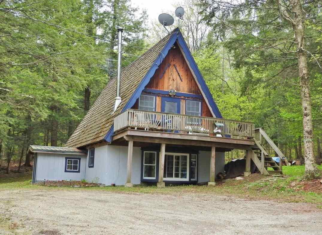 Welcome to the Hayloft!  This authentic A-Frame...