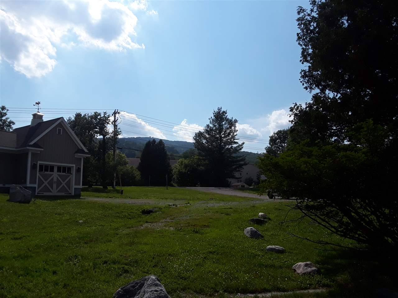 Looking for a building lot near Mount Snow ? Look...