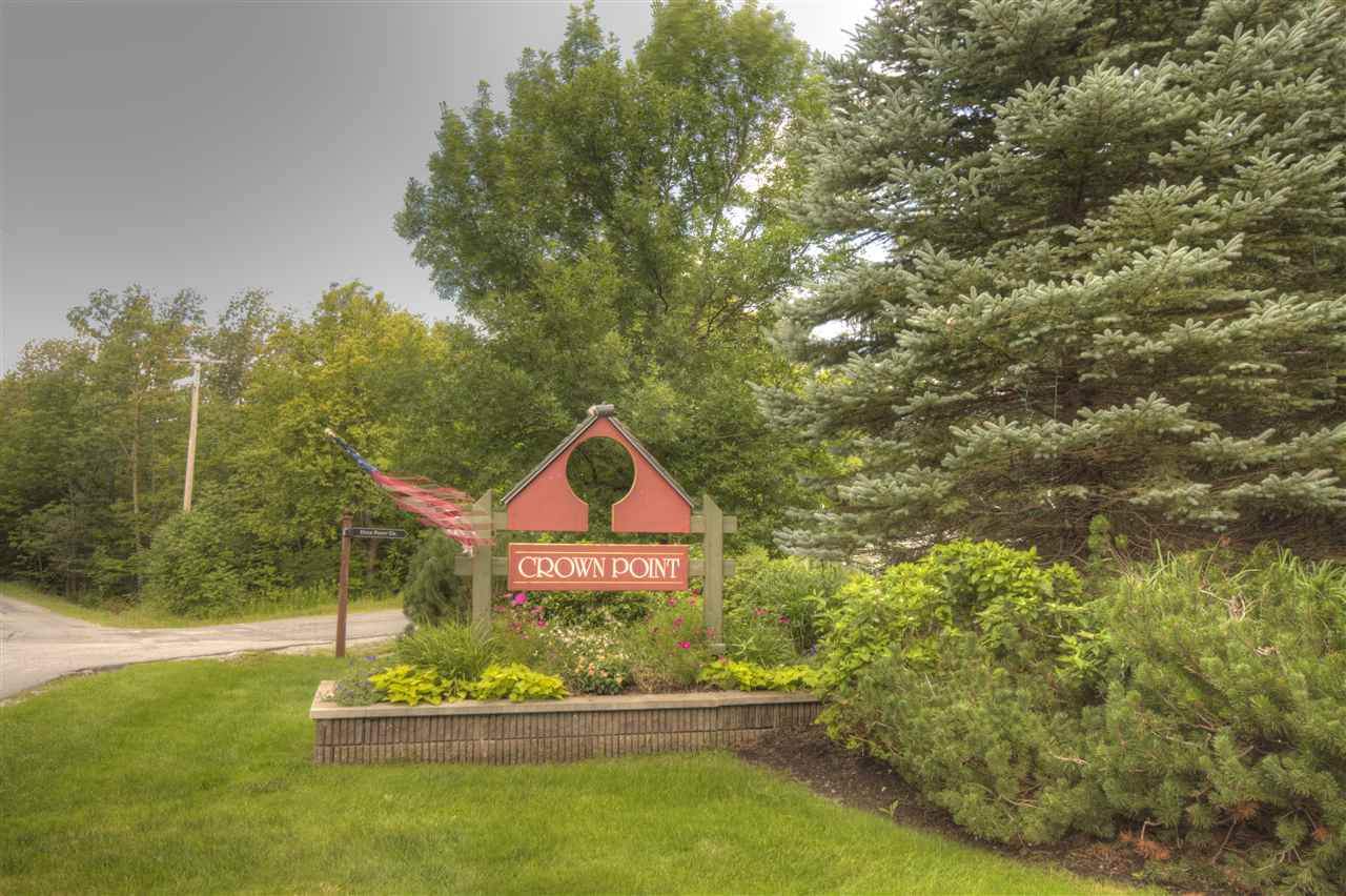 Amazing oversized Crown Point Condo Town Home....