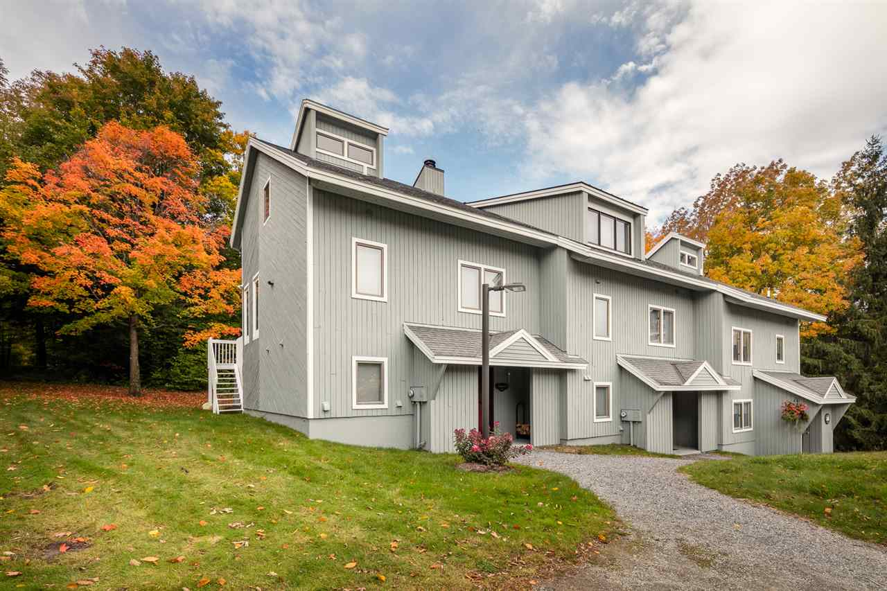 Beautiful contemporary style Slopeside Townhouse....