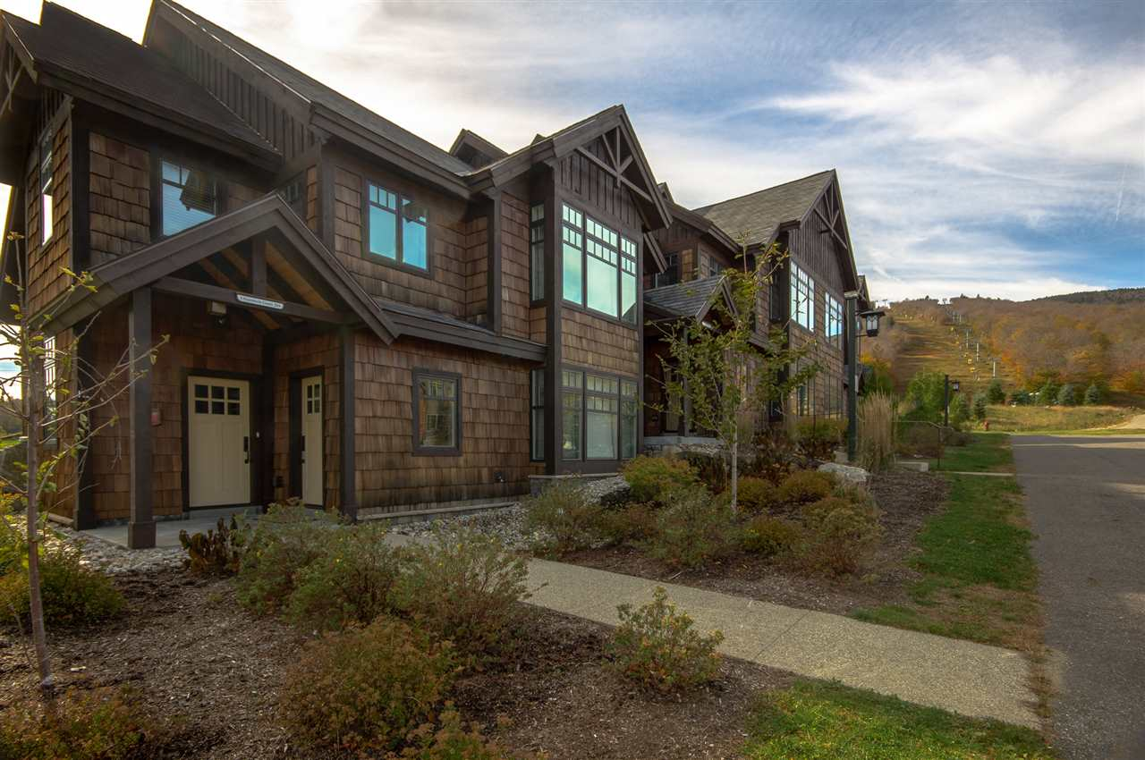 Stunning townhome at the base of Haystack...