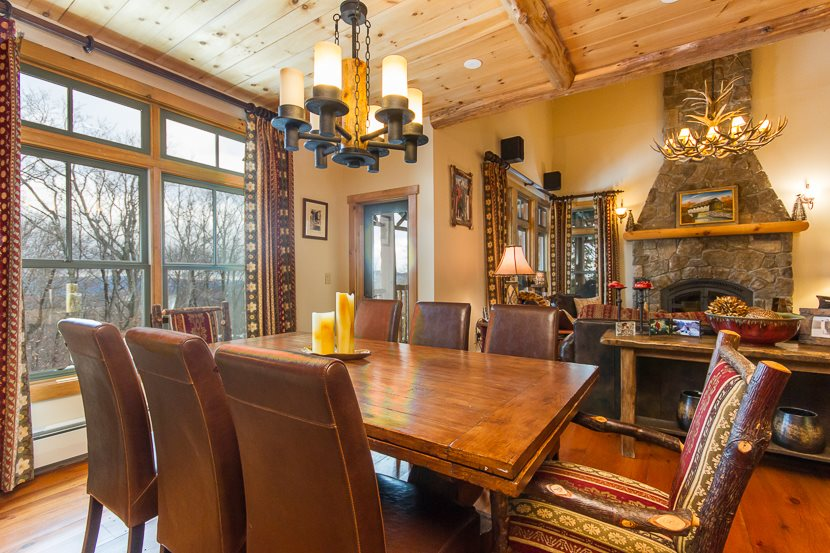 Beautifully appointed Adirondack style town home...