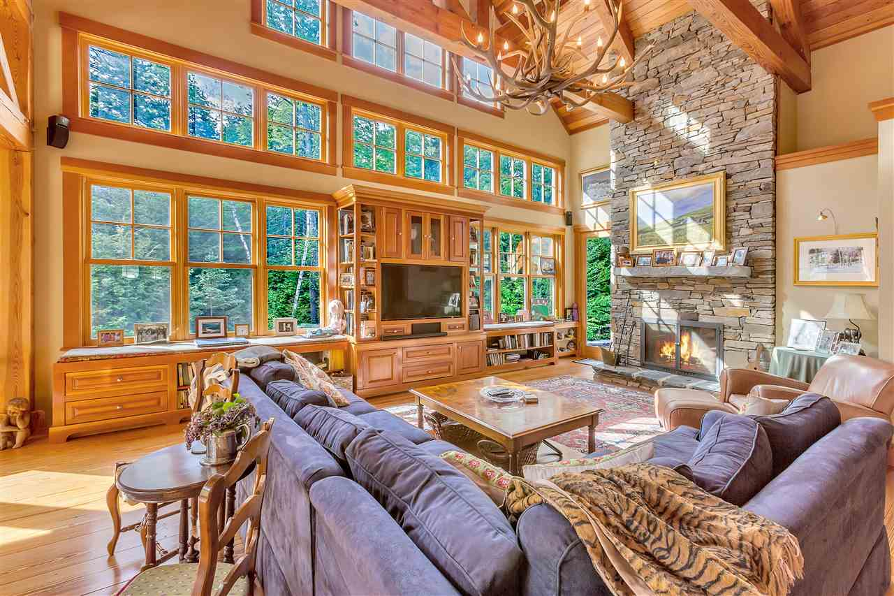 Exceptional mountain estate with post and beam...