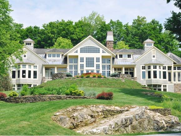 MANCHESTER VT Lake House for sale $$1,700,000 | $258 per sq.ft.