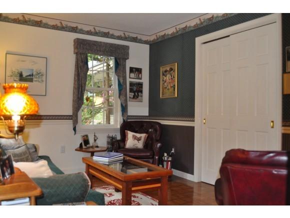 Cozy Family Room 7047228