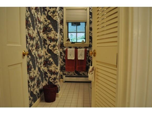 Bathroom 7047230