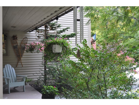 Front Porch 7047235