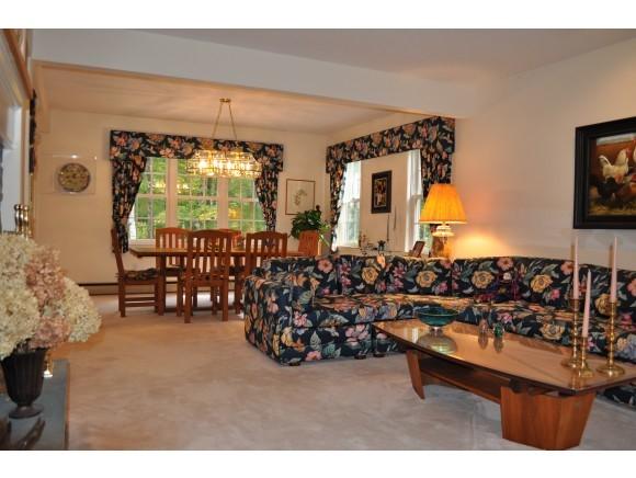 Living Room Flows to DR & Kit 7047219