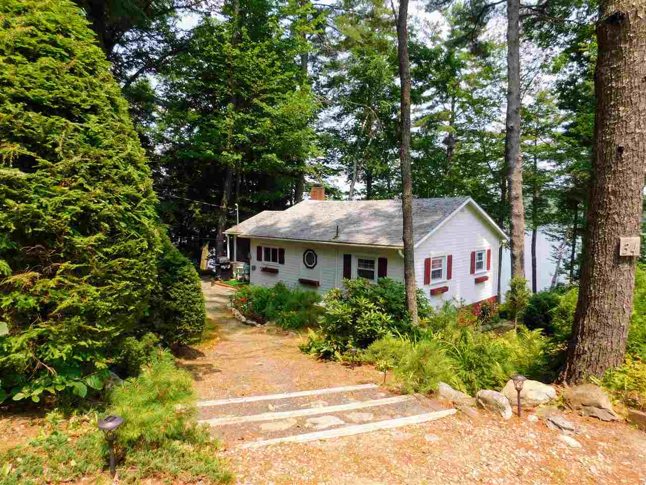 MEREDITH NH  for rent $Furnished Single Family $1,450  Term Weekly