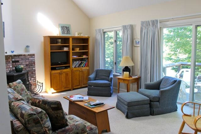 VILLAGE OF EASTMAN IN TOWN OF GRANTHAM NH Condo for rent $Condo For Lease: $1,600 with Lease Term