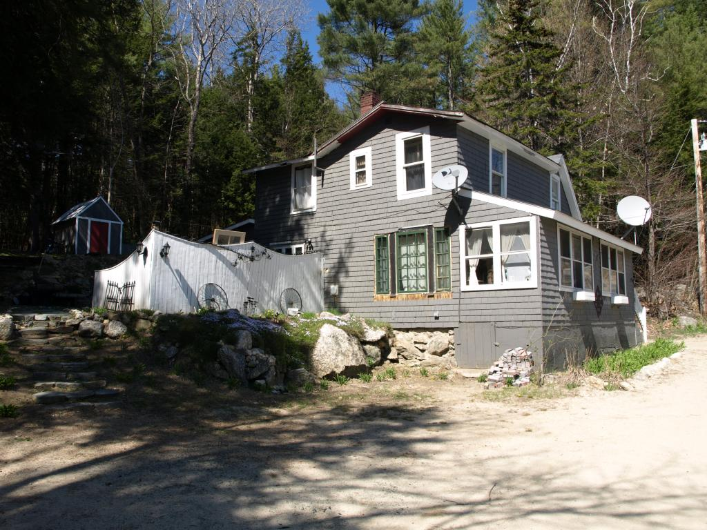 NEW LONDON NH Home for sale $$104,900 | $100 per sq.ft.