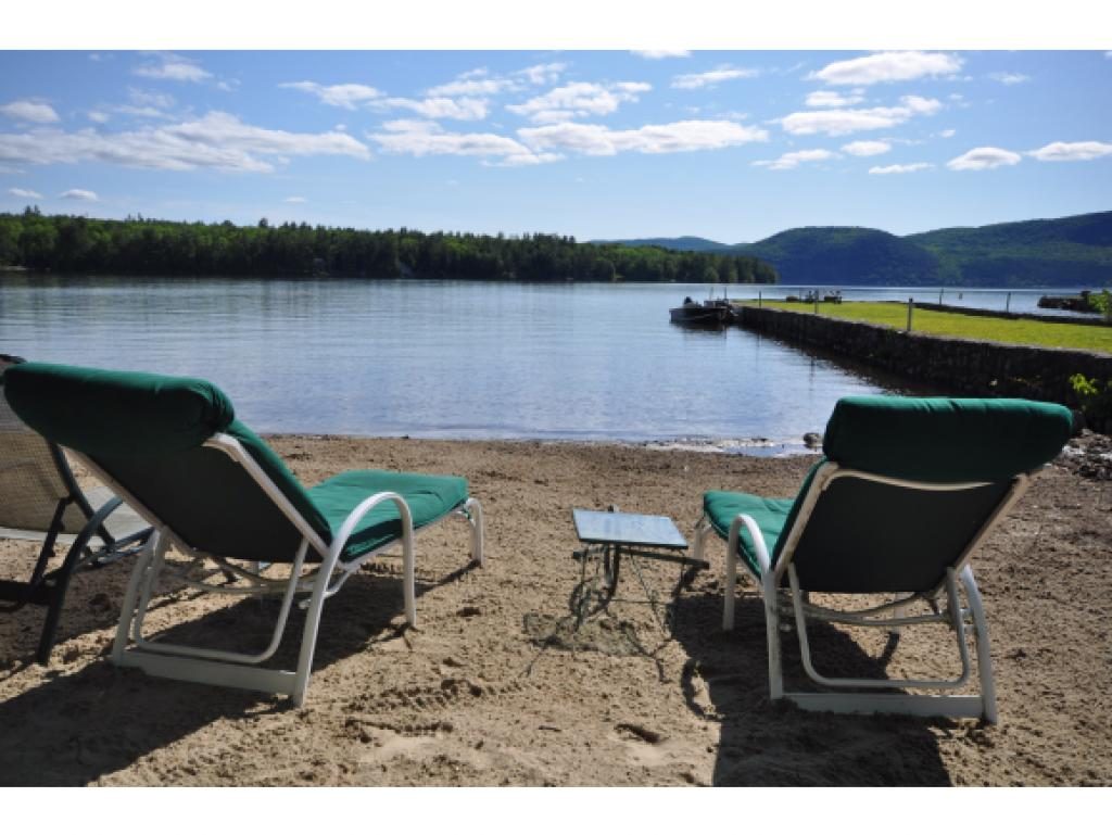BRIDGEWATER NH Lake House for sale $$369,900 | $503 per sq.ft.