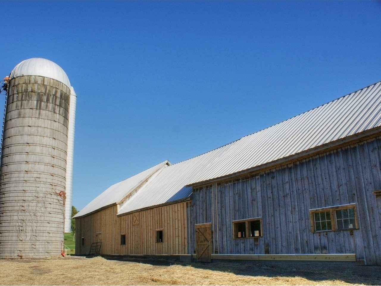Hay barn w/ new siding 10146216