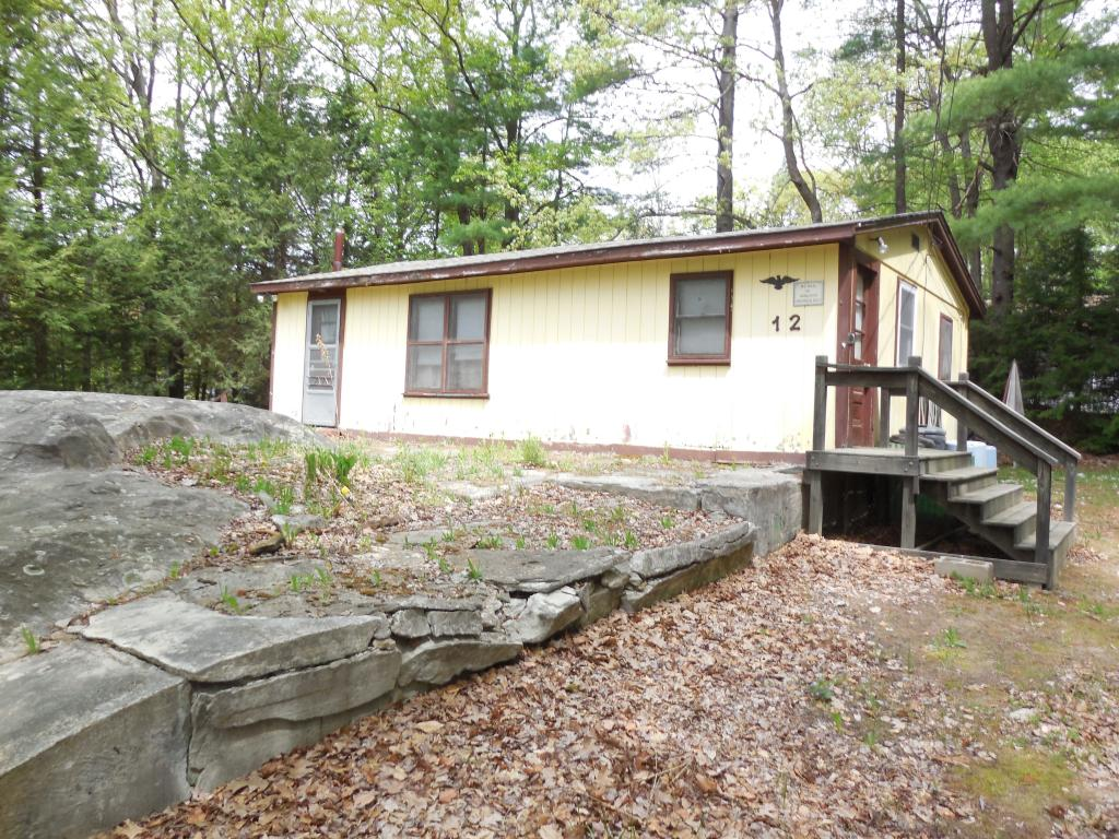 ATKINSON NH Home for sale $$149,900 | $234 per sq.ft.