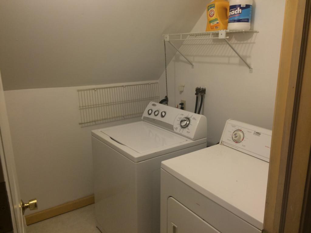 upper unit kitchen 8950778
