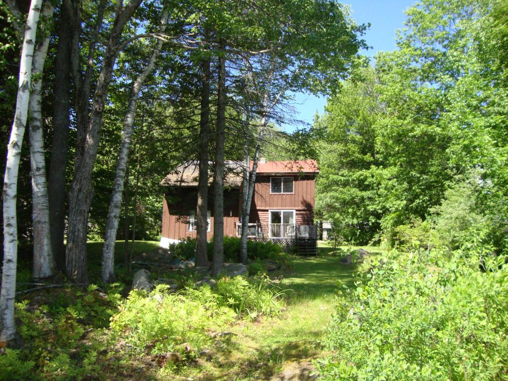 CANAAN NH Lake House for sale $$210,000 | $153 per sq.ft.