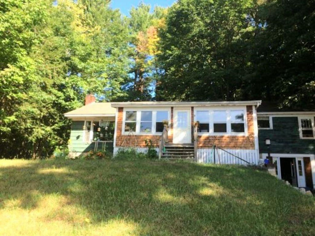 Village of Sanbornville in Town of Wakefield NHHome for sale $$159,900 $118 per sq.ft.