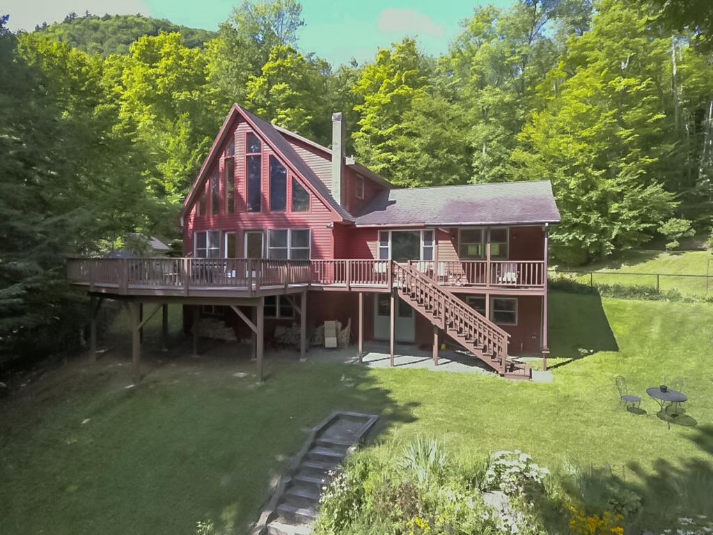 BARNET VTLake House for sale $$559,000 | $250 per sq.ft.