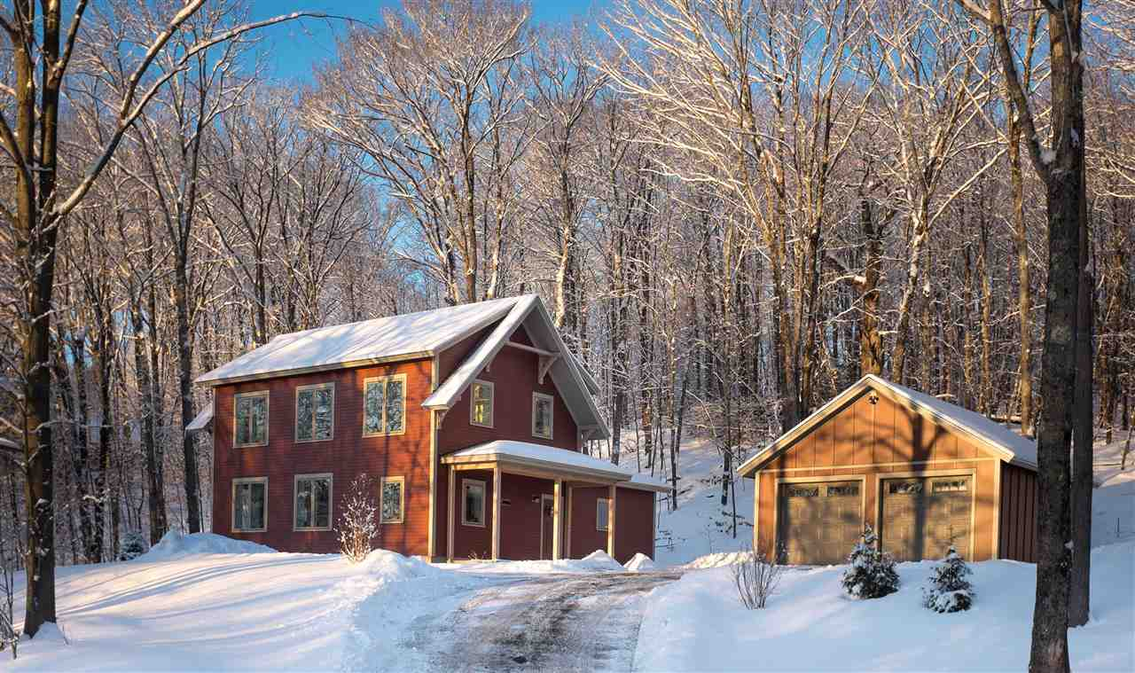 VILLAGE OF QUECHEE IN TOWN OF HARTFORD VT Home for sale $$534,950 | $289 per sq.ft.