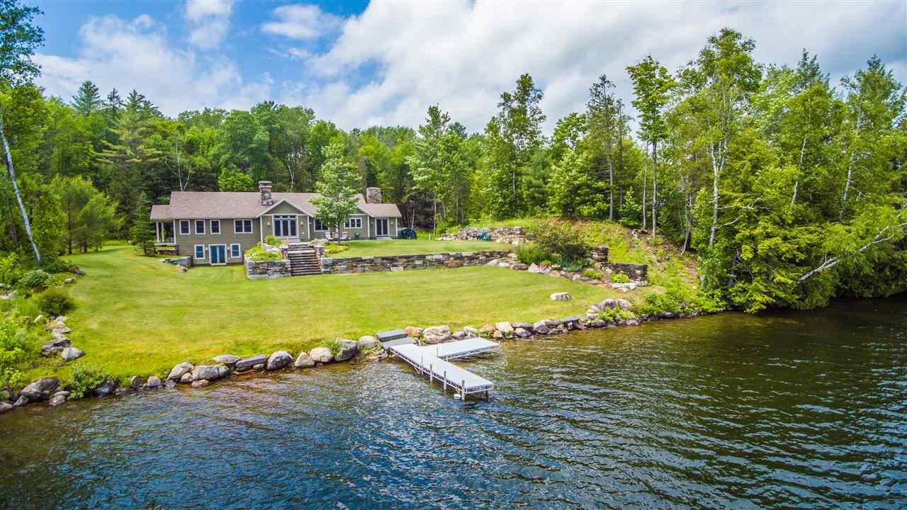 BARNET VTLake House for sale $$945,000 | $473 per sq.ft.