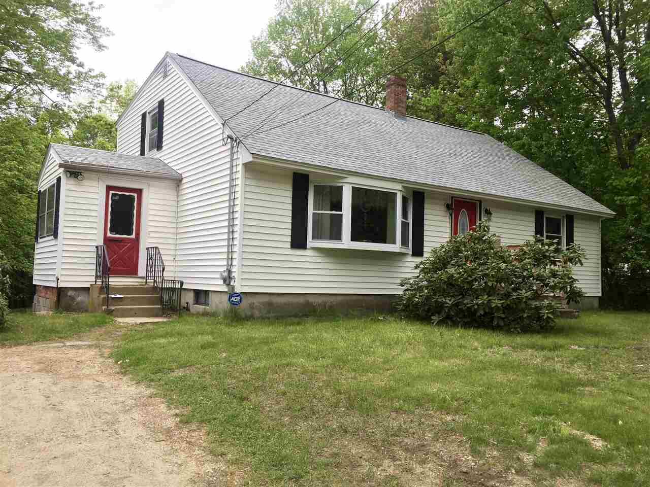 Hooksett NH Home for sale $List Price is $305,000