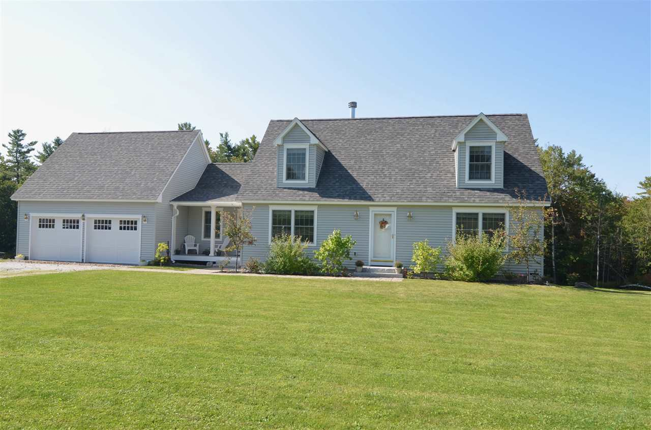 NEW LONDON NH Home for sale $$425,000 | $204 per sq.ft.