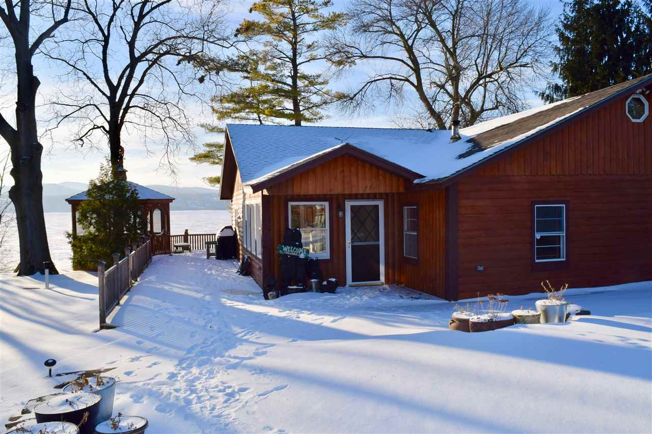 ADDISON VT Lake House for sale $$549,000 | $243 per sq.ft.