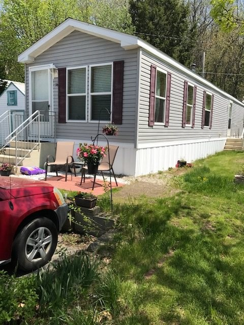 Derry NHMobile-Manufacured Home for sale $List Price is $64,900