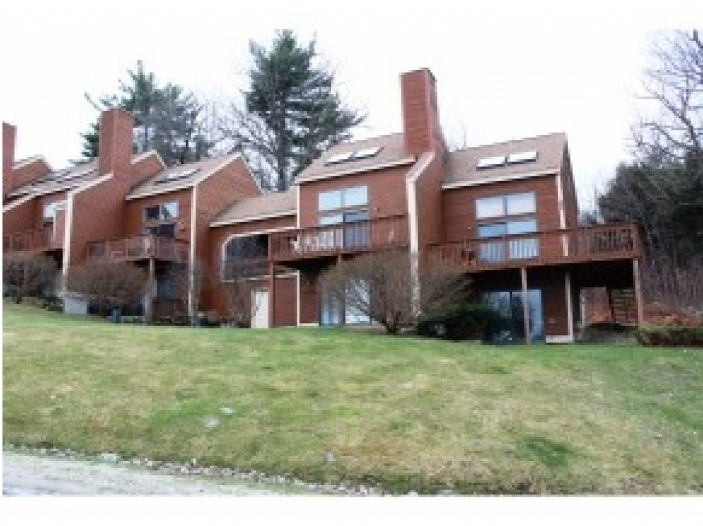 Bennington NH Condo for sale $List Price is $65,000