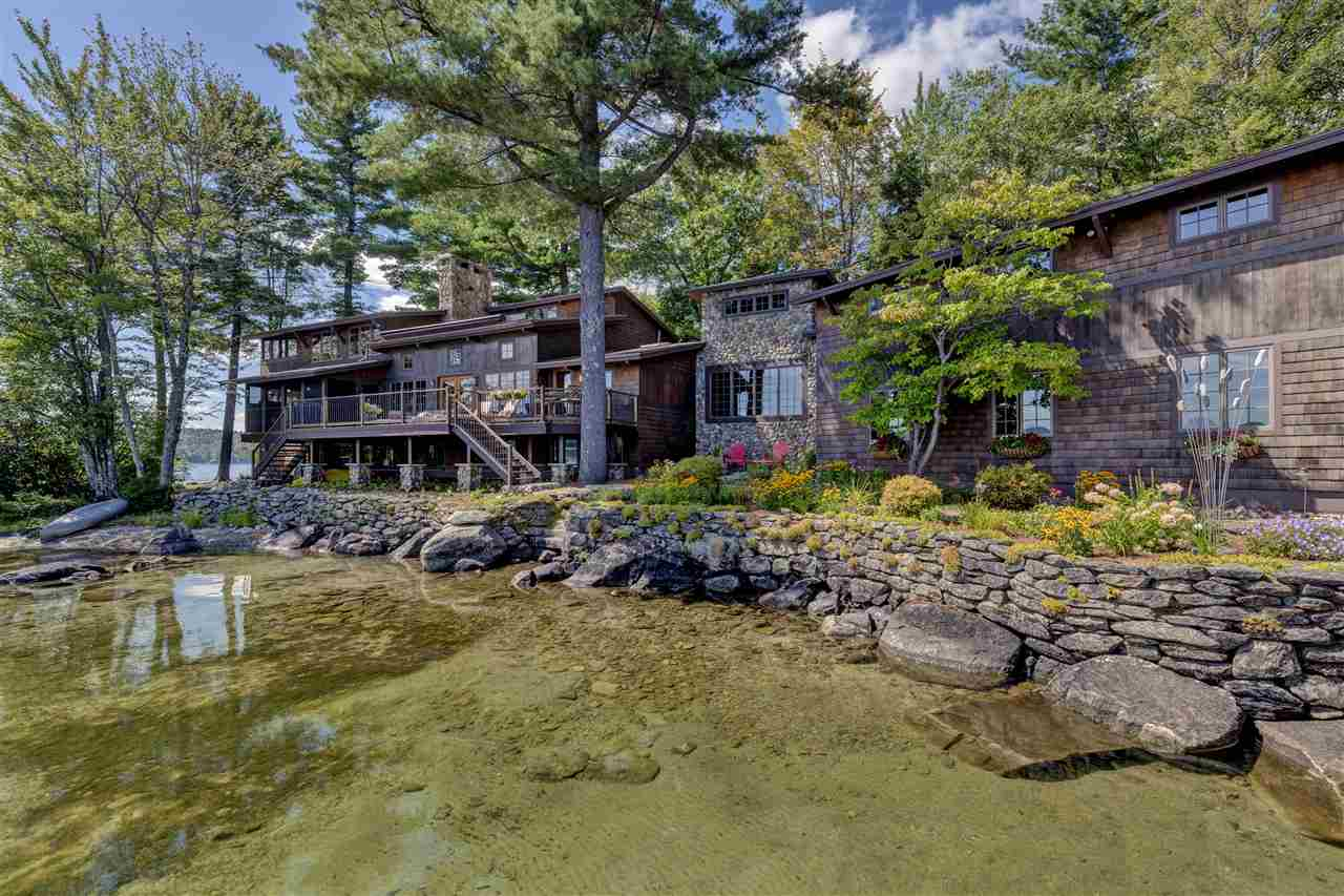 SUNAPEE NH Lake House for sale $$3,950,000 | $1,023 per sq.ft.