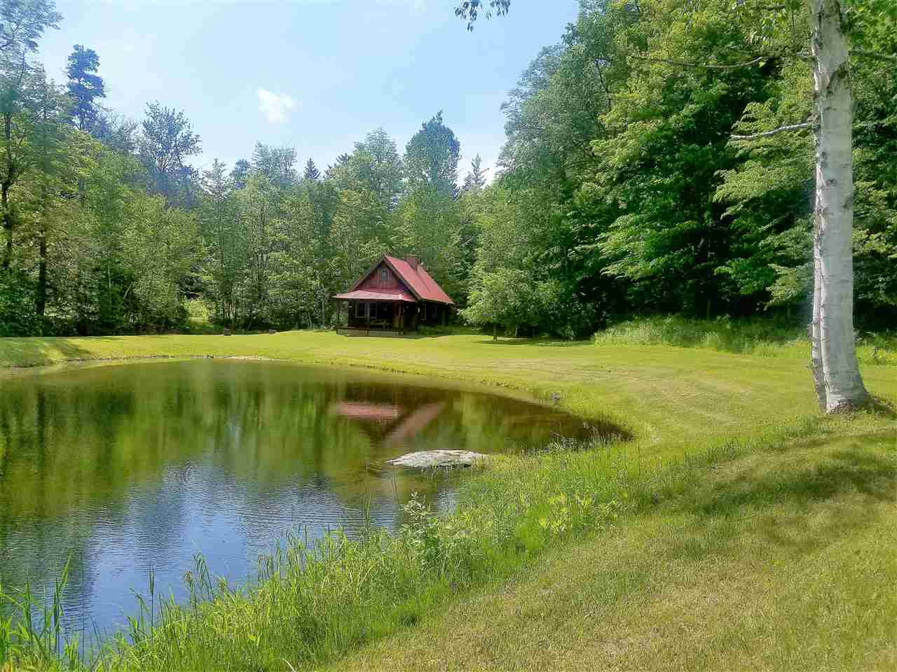 PLYMOUTH VT Lake House for sale $$139,000 | $174 per sq.ft.
