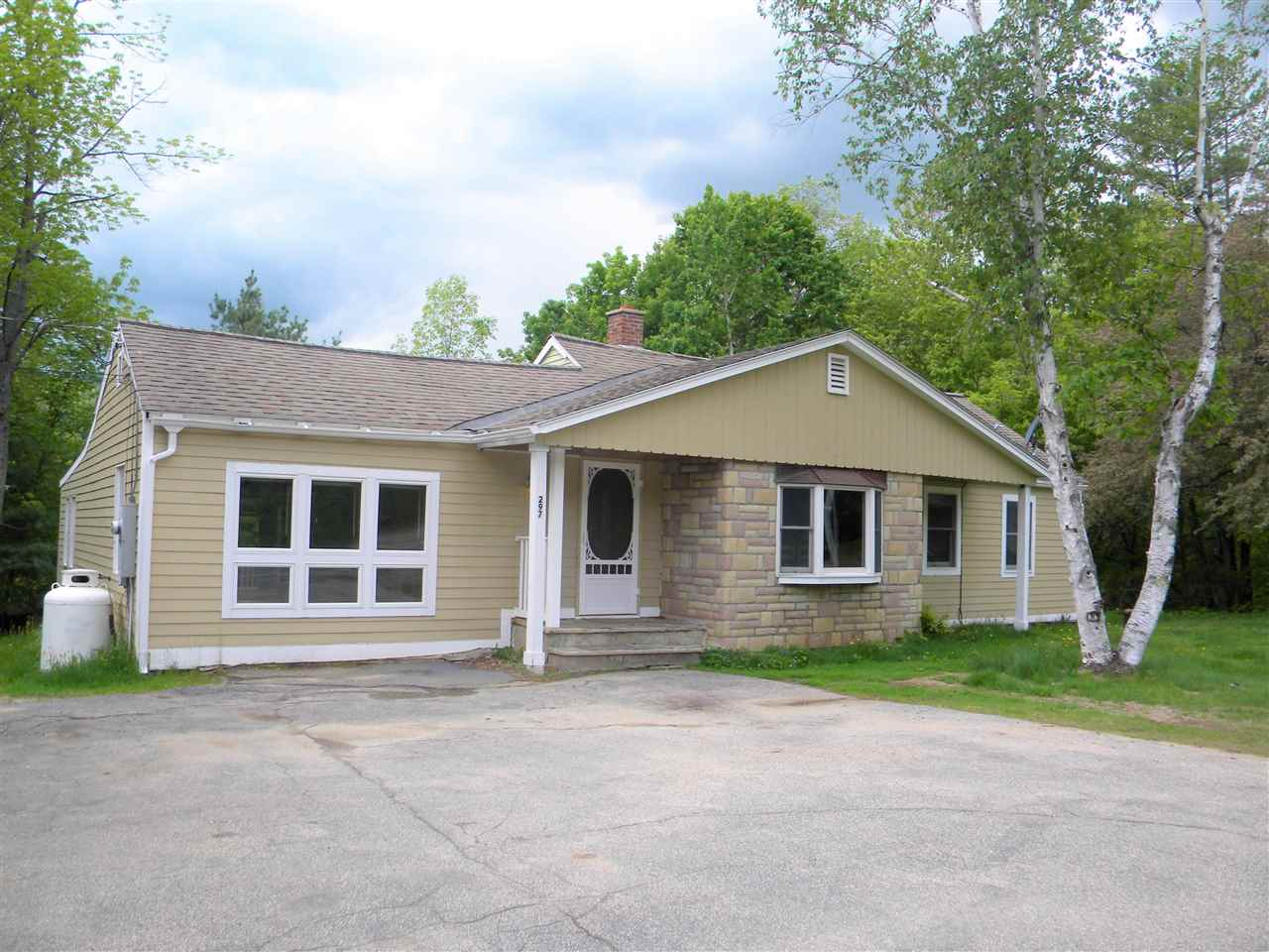 JACKSON NH Home for sale $$189,900 | $119 per sq.ft.