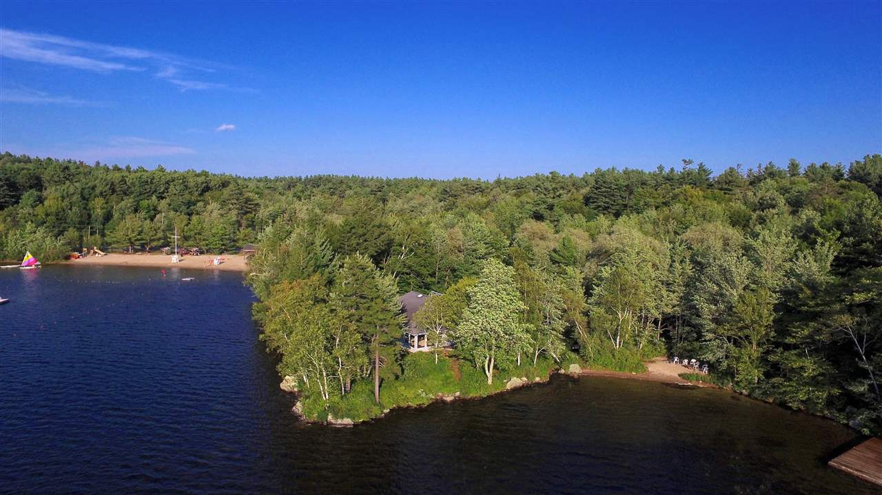NEW LONDON NH Lake House for sale $$1,165,000 | $396 per sq.ft.