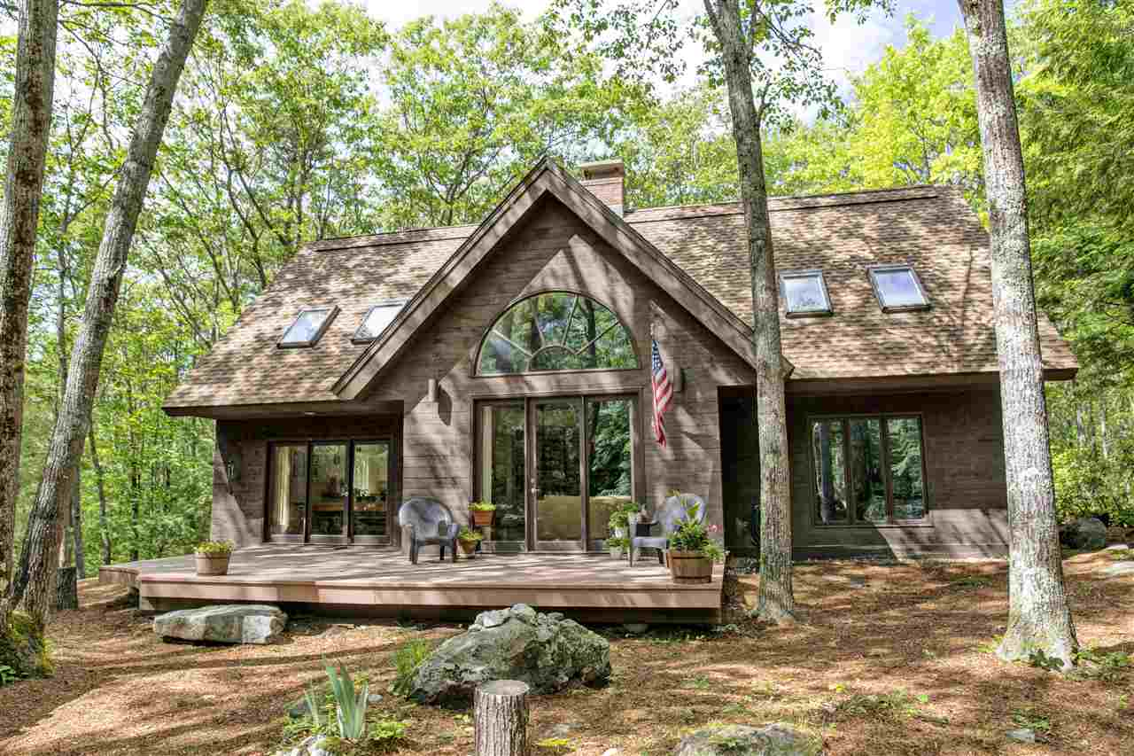 SUNAPEE NH Home for sale $$429,000 | $222 per sq.ft.