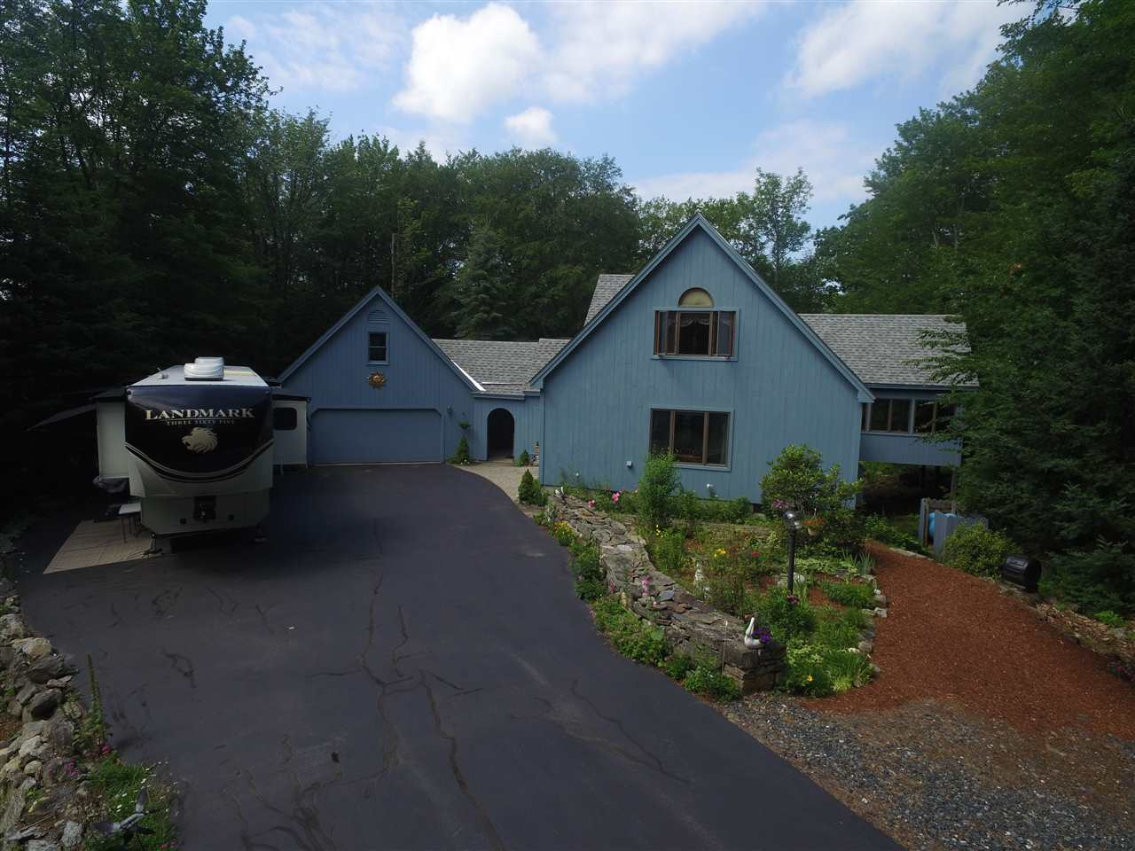 VILLAGE OF EASTMAN IN TOWN OF GRANTHAM NH Home for sale $$485,900 | $195 per sq.ft.