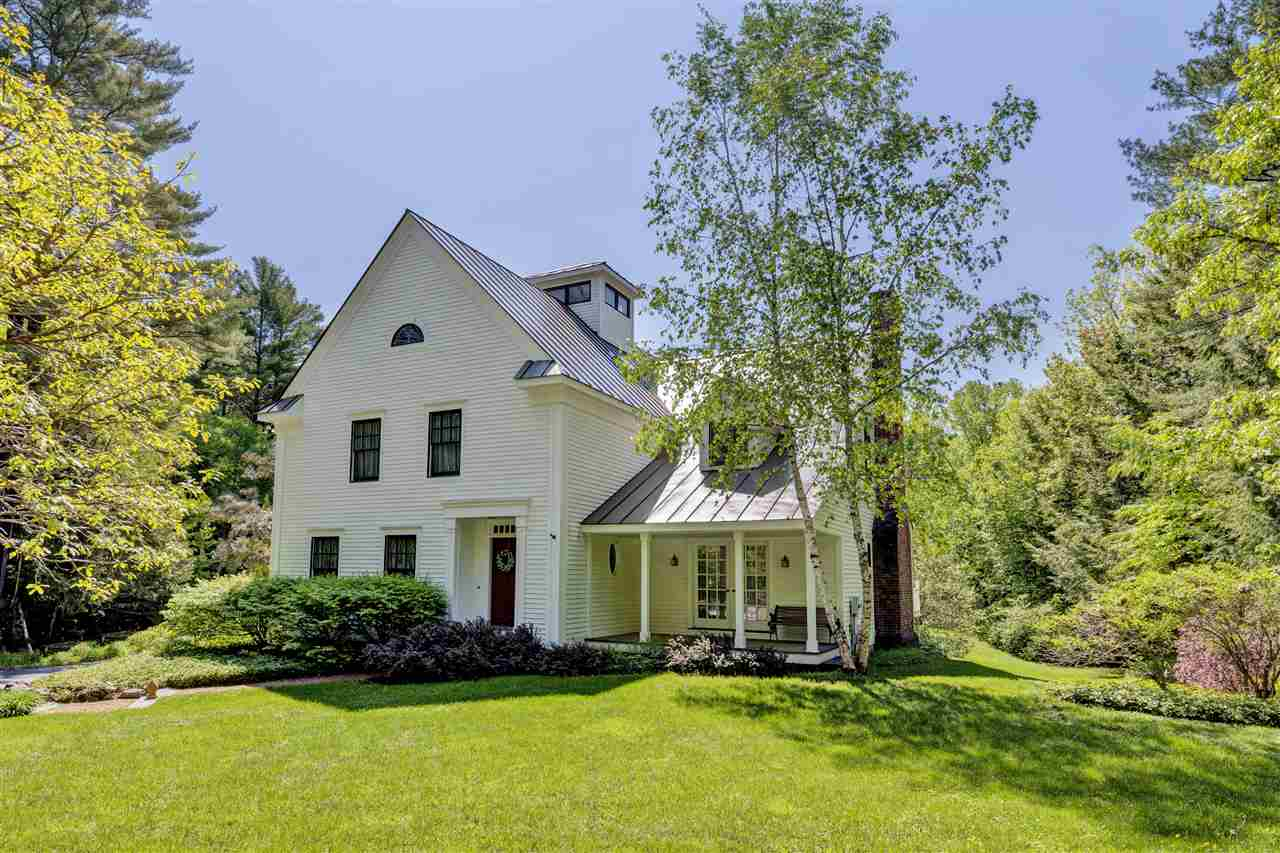 NEW LONDON NH Home for sale $$630,000 | $145 per sq.ft.